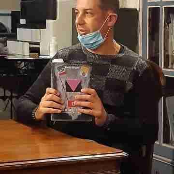 paolo arigotti con il suo libro